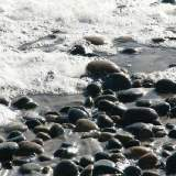 Ocean waves and stones_1